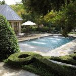 Outdoor-pool-and-fountain
