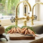 gallery-1514576493-brass-papilio-georgian-manor-kitchen-015