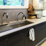 susan-serra-kitchen-design-sink-810x537