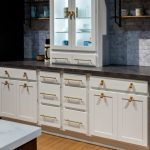 warm-kitchen-cabinetry-hardware-810x780